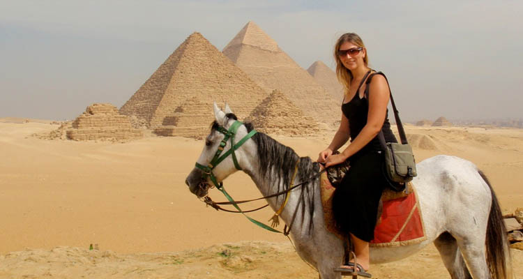 Open horse ride in the Desert of the Pyramids